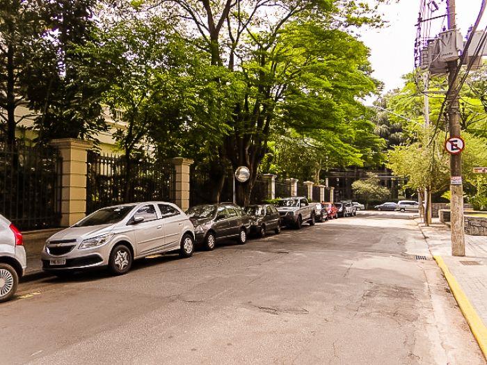 http://www.moradimoveis.com.br/fotos_imoveis/11841/DSC01536.jpg