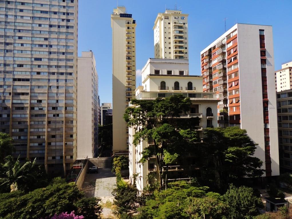 http://www.moradimoveis.com.br/fotos_imoveis/12745/DSCN8905.JPG